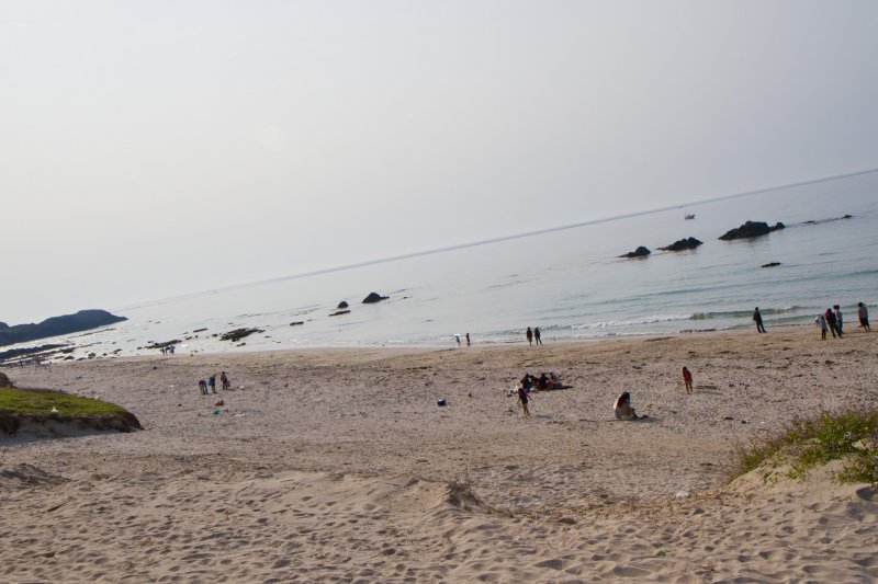 <p>หาดโคบอลต์บลูในฤดูใบไม้ผลิ</p>