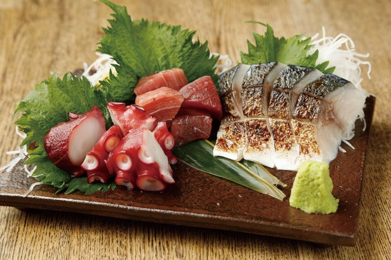The Natural Raw Tuna is an incredible deal at ¥780.