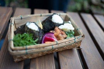 Kamakura Farmers' Market Tour & Lunchbox Making