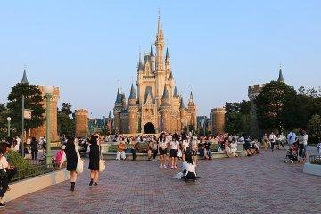 Tokyo Disneyland and DisneySea 1-Day Pass
